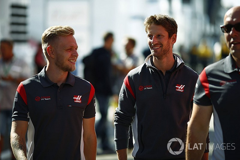 "Magnussen, Grosjean'ın Haas'taki ""kendi kendine yeten"" halini durdurdu"