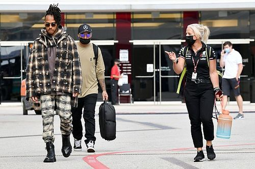 "F1: Hamilton diz que é importante ""vencer cada corrida ou maximizar pontos"" na luta pelo título"