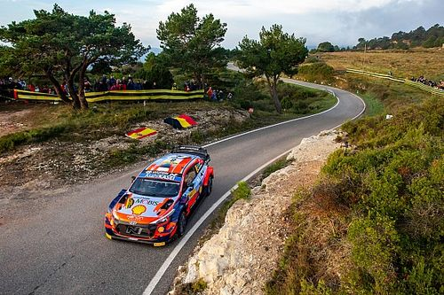 WRC Spain: Hyundai's Tanak crashes out on stage four