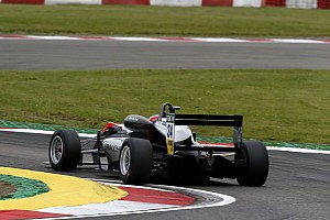 F3 Europe Jelentés a versenyről Jake Hughes először tudott nyerni az F3-ban a második nürburgringi futamon