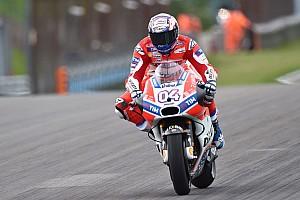 MotoGP Résumé d'essais libres EL1 - Dovizioso prend ses marques sur le nouveau revêtement
