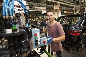 Automotive Noticias de última hora Vídeo: Jorge Lorenzo fabrica su propio SEAT León Cupra