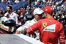 Forma-1 Lauda: még a Mercedes sem ér annyit, hogy Vettel ejtse a Ferrarit