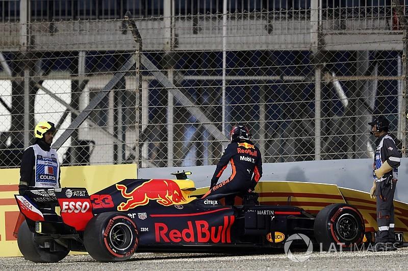 Vettel grijpt pole voor GP van Bahrein, Verstappen crasht