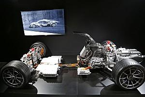 Autó BRÉKING Ebédidőben dőlt el, hogy F1-es motort tesznek közúti Mercedesbe