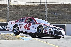 NASCAR Cup Qualifiche Larson e McMurray regalano la prima fila al Chip Ganassi Racing a Sonoma