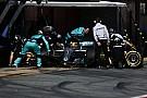 VÍDEO: Treinando para Melbourne, Mercedes faz pit em 1s8