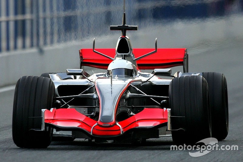 Gallery: Alonso's first McLaren test in 2006