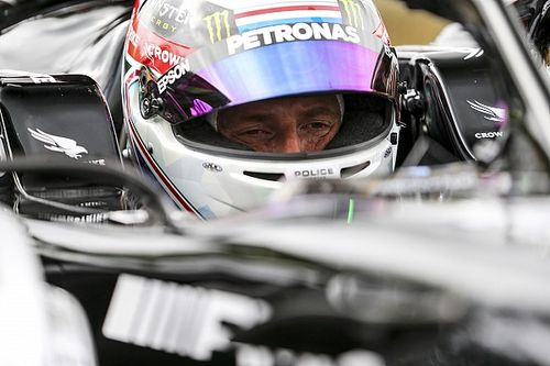 VIDEO: Anthony Davidson maakt kennis met de Mercedes W12