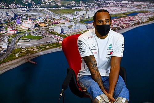 Hamilton ignore s'il ressentira quelque chose en égalant Schumacher