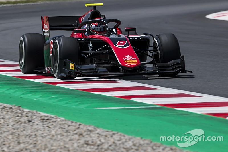 F2 Barcelona: Islak zemindeki ilk yarışı Russell kazandı