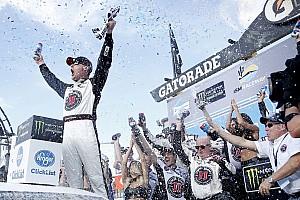 NASCAR Sprint Cup Crónica de Carrera Kevin Harvick llega tres victorias al hilo tras ganar en Phoenix