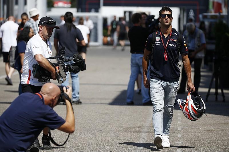 Ricciardo yeni güç ünitesine geçti, grid cezası aldı!
