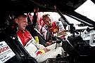 DTM Motorsport.com voelt DTM-bolide van kampioen Rast aan de tand