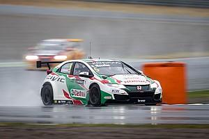 WTCC Gara Norbert Michelisz vince la Main Race interrotta per pioggia