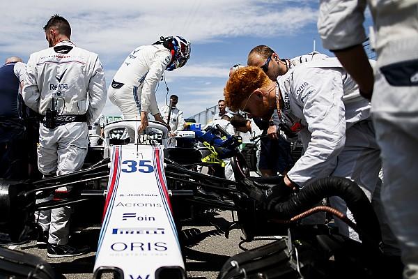 Формула 1 Новость Лоу объяснил проблемы Сироткина с посадкой в кокпите