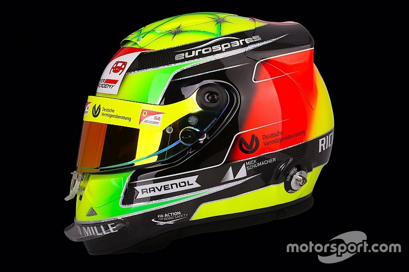 Mick Schumacher zeigt sein Helmdesign für die Formel 2 2019