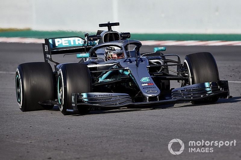 Mercedes' 2019 F1 car makes older one look