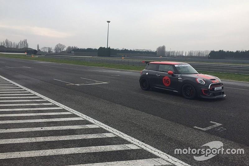 Esclusiva: ecco la nuova MINI F56 Challenge in pista ad Adria!