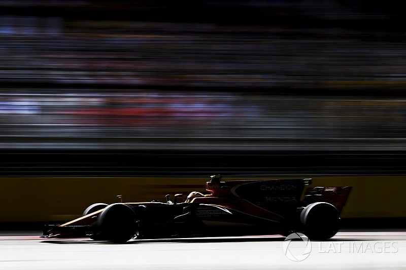 McLaren, 2018 programının iki hafta gerisinde