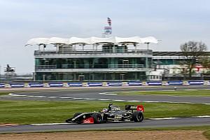 Formula V8 3.5 Reporte de la carrera Fittipaldi domina de principio a fin la primera carera de la V8 3.5