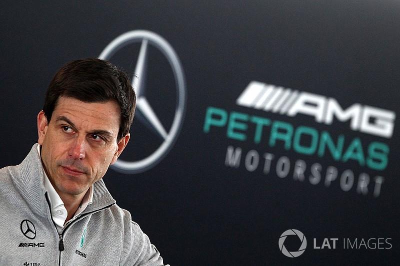 Mercedes espera que no haya protestas por las suspensiones en Melbourne