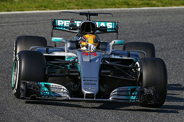 Formula 1 Laporan tes Tes Barcelona: Hamilton dan Mercedes  tercepat pada hari pertama