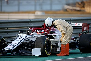 Éld át Räikkönen első tesztnapját az Alfa Romeóval Barcelonában: képgaléria