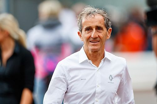 Prost takes non-executive director role with Renault F1 team