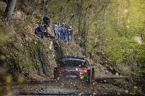 WRC, Rally Croazia, PS1: Rovanpera, che botto. Neuville leader
