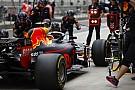 Nő a nyomás a szerelőkön: az F1-es csapatok miért hibáznak ilyen sokat a bokszban?!
