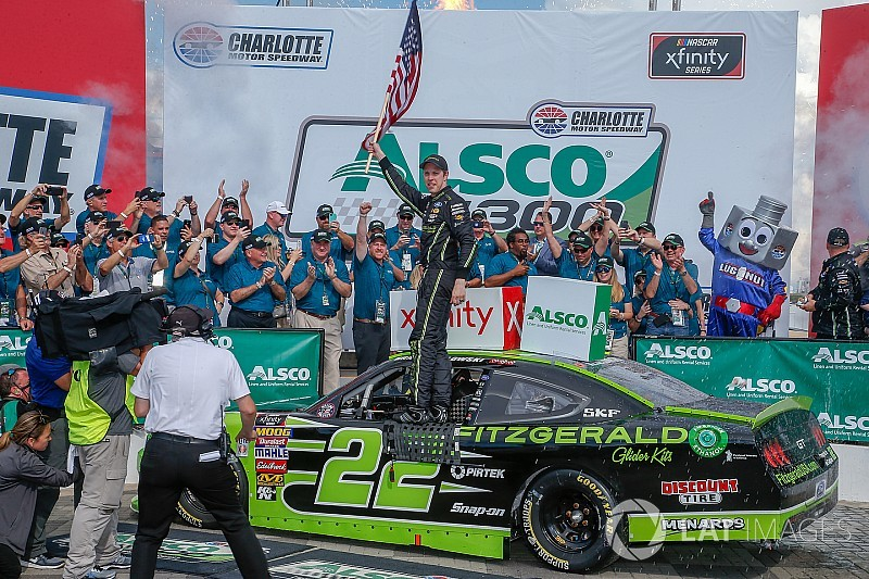 Brad Keselowski holds off Custer to win Xfinity race at Charlotte