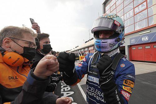 McLaren еще в начале гонки приказала Риккардо уступить дорогу Норрису. Как отреагировал Даниэль?