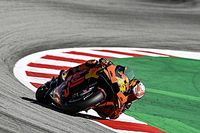 "Espargaro 'doesn't know how to push' after ""strange"" Friday"