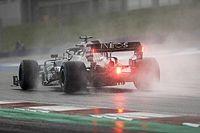 Хэмилтон выиграл дождевую квалификацию в Штирии. Ferrari далеко позади