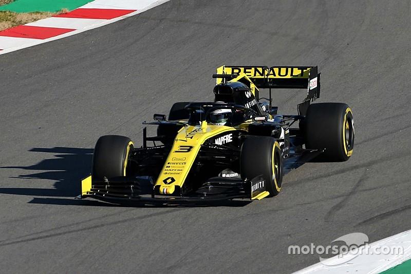 Ricciardo makes Renault F1 debut as RS19 hits track