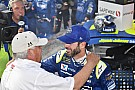 Jimmie Johnson renews deal with Hendrick through 2020