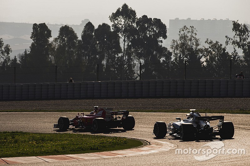 马萨和汉密尔顿对新赛季超车难表示担忧