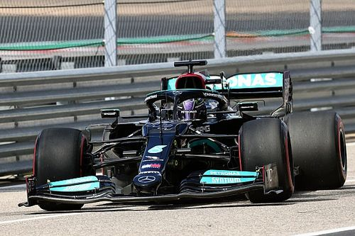 """Hamilton: """"Umarım 1. virajı döner ve iyi bir yarış çıkarırız"""""""