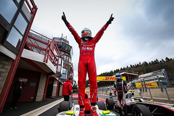 Alfonso Celis gana la primera carrera en Spa