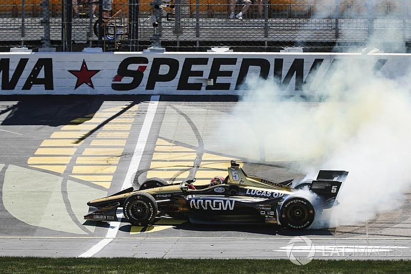 James Hinchcliffe s'impose sur l'Iowa Speedway