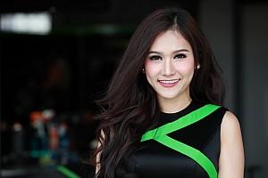 WSBK Спеціальна можливість Галерея: чарівні грід-гьолз із Таїланду