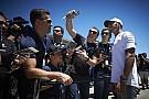 F1 VIDEO: Mercedes arma fiesta para honrar a Hamilton