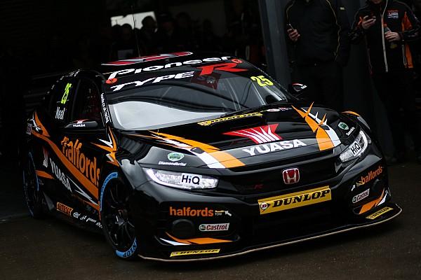 BTCC Qualifying report Thruxton BTCC: Neal sets new lap record en route to pole