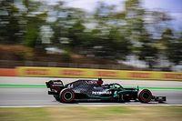 """Hamilton déplore une chaleur """"dure"""" pour les pilotes et les pneus"""