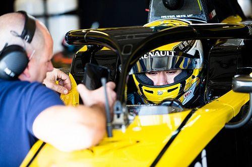 Renault упрекнули в притеснении молодых пилотов ради Алонсо. Босс команды ответил