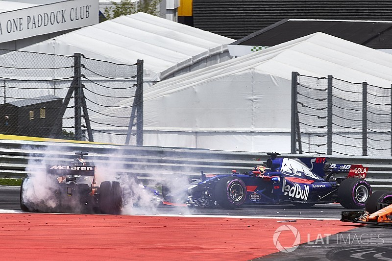 """Kvyat's start aggression created """"unnecessary pressure"""" - Tost"""