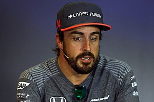 Stop/Go Livefeed Alonso a magyar rajongóival a Hungaroringen