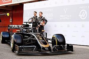 A Haas F1 Team 2019-es autója, immáron a teljes valójában