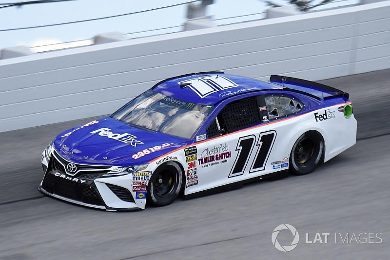 NASCAR in Darlington: Denny Hamlin im Retro-Look auf Pole